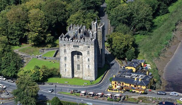Bunratty Castle and Durty Nellies Pub, Bunratty, County Clare