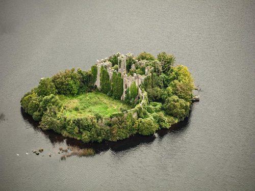 McDermotts Castle Lough Key